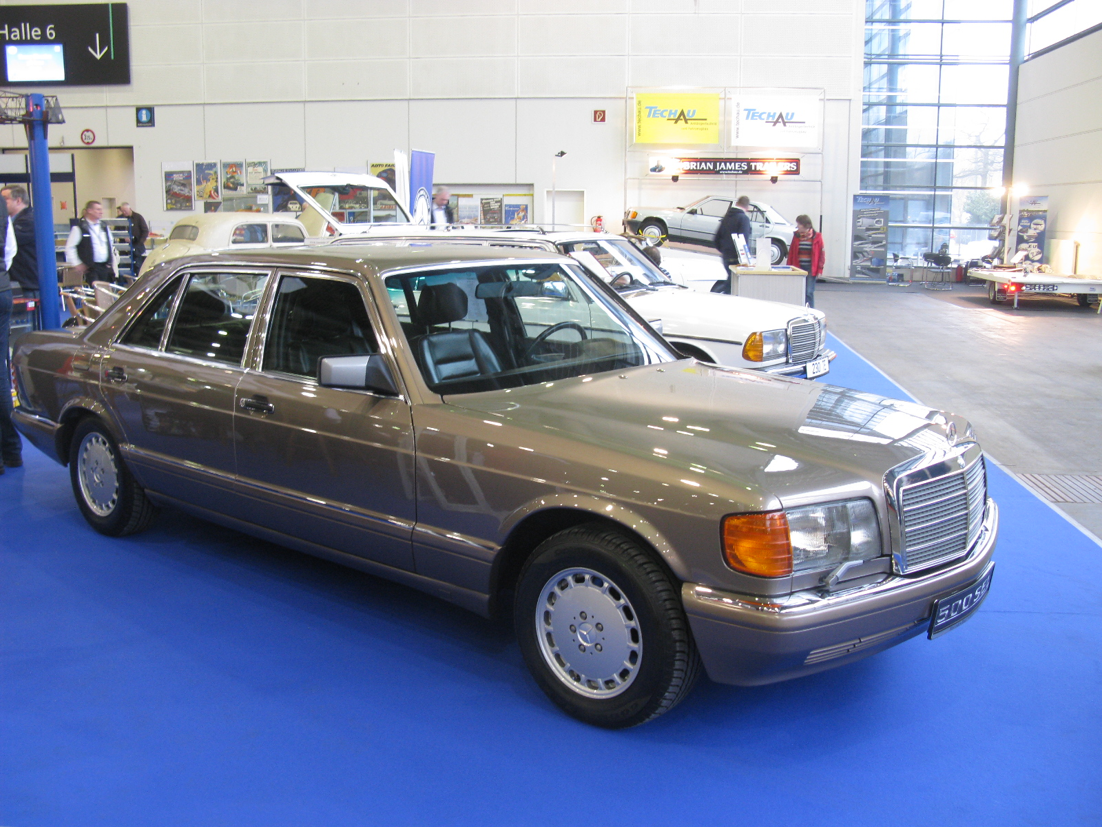 Mercedes-Benz_500_SEL_W126_(12443809924)