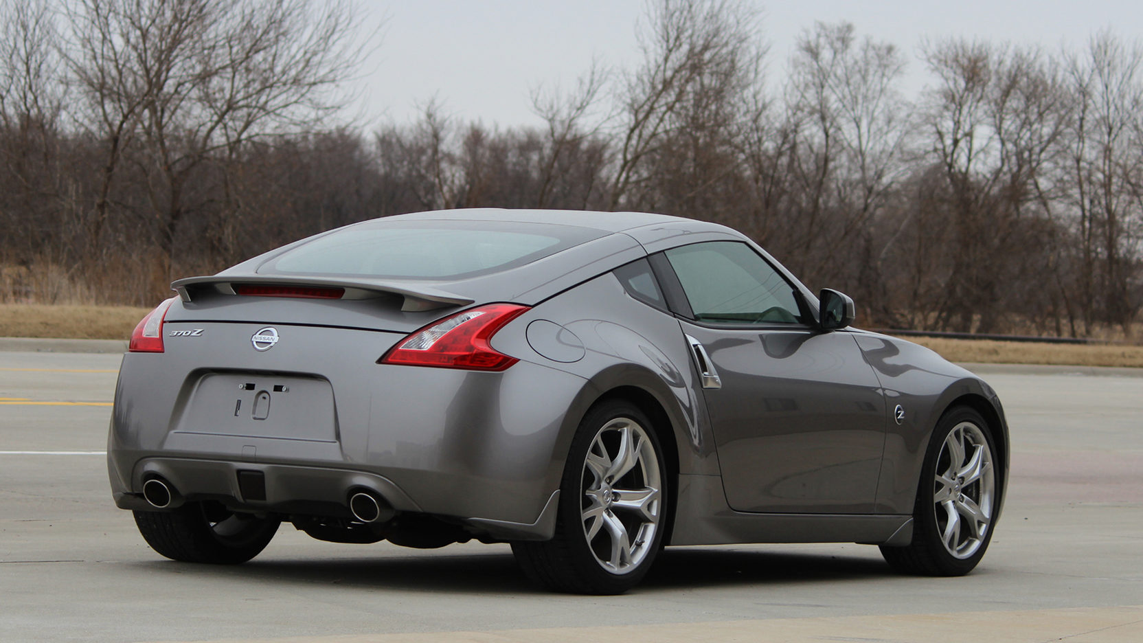 Nissan 370Z rear three-quarter