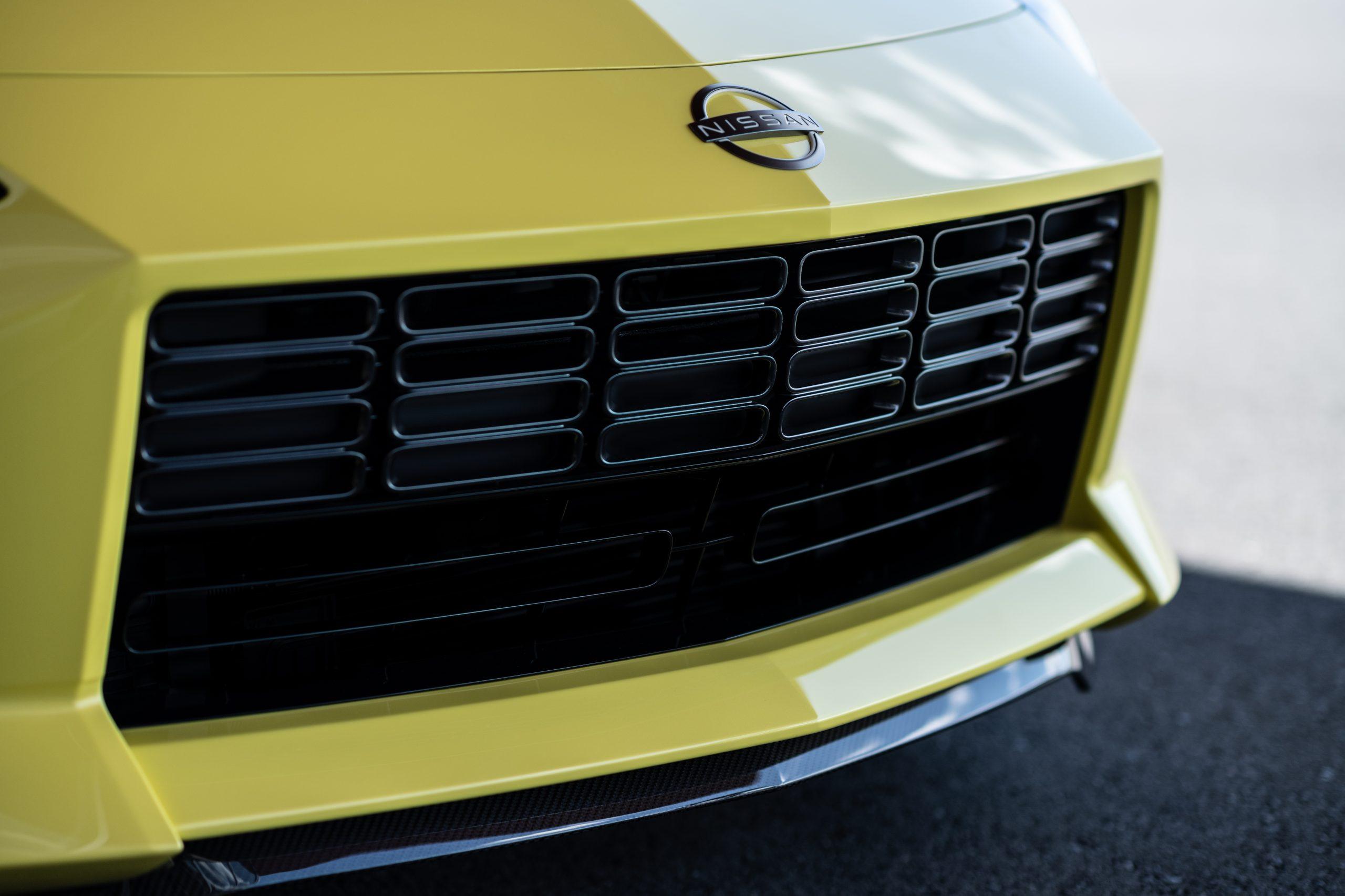 nissan new z car prototype grille detail