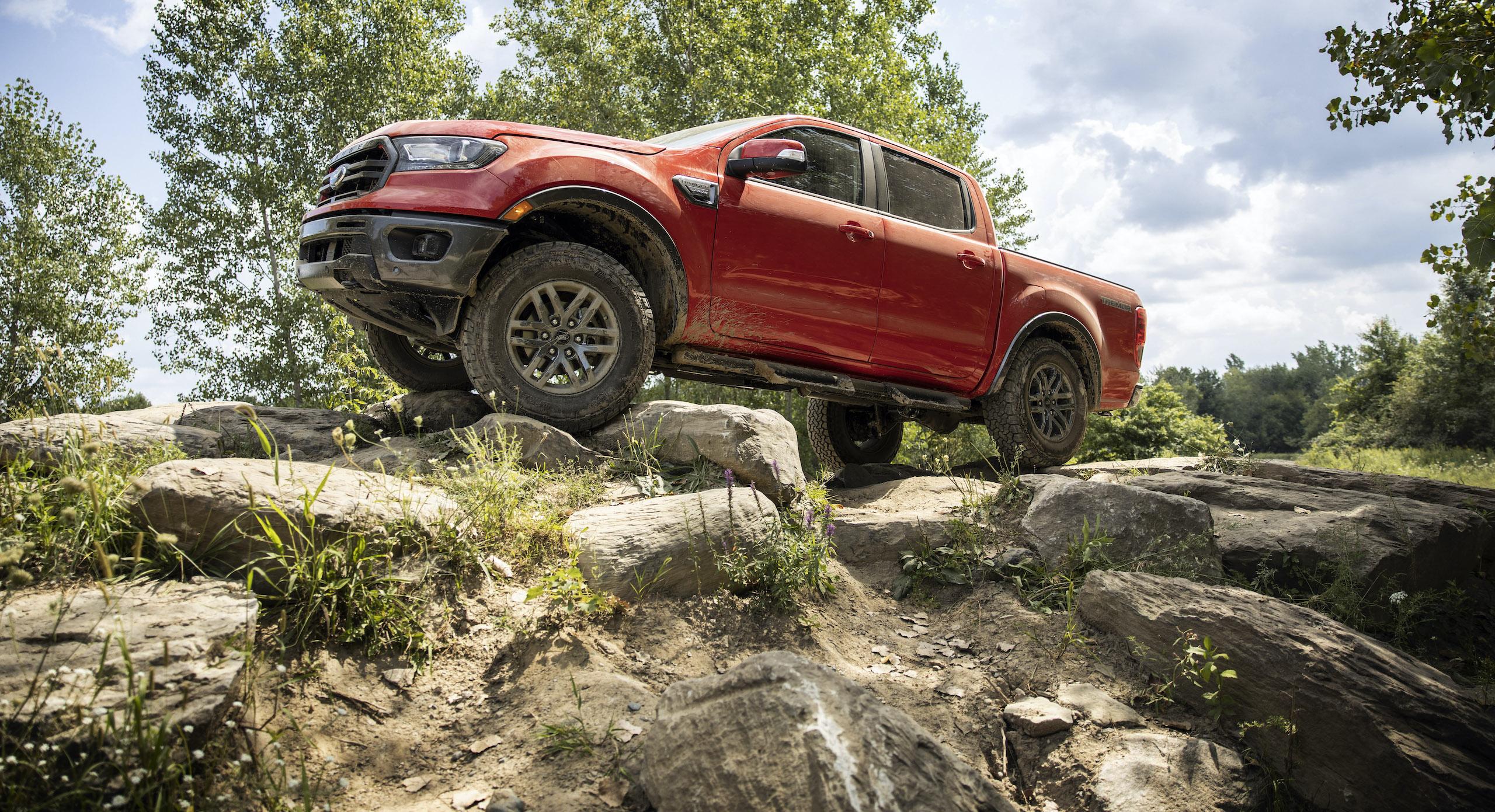 Ranger Tremor Lariat front three-quarter off road action