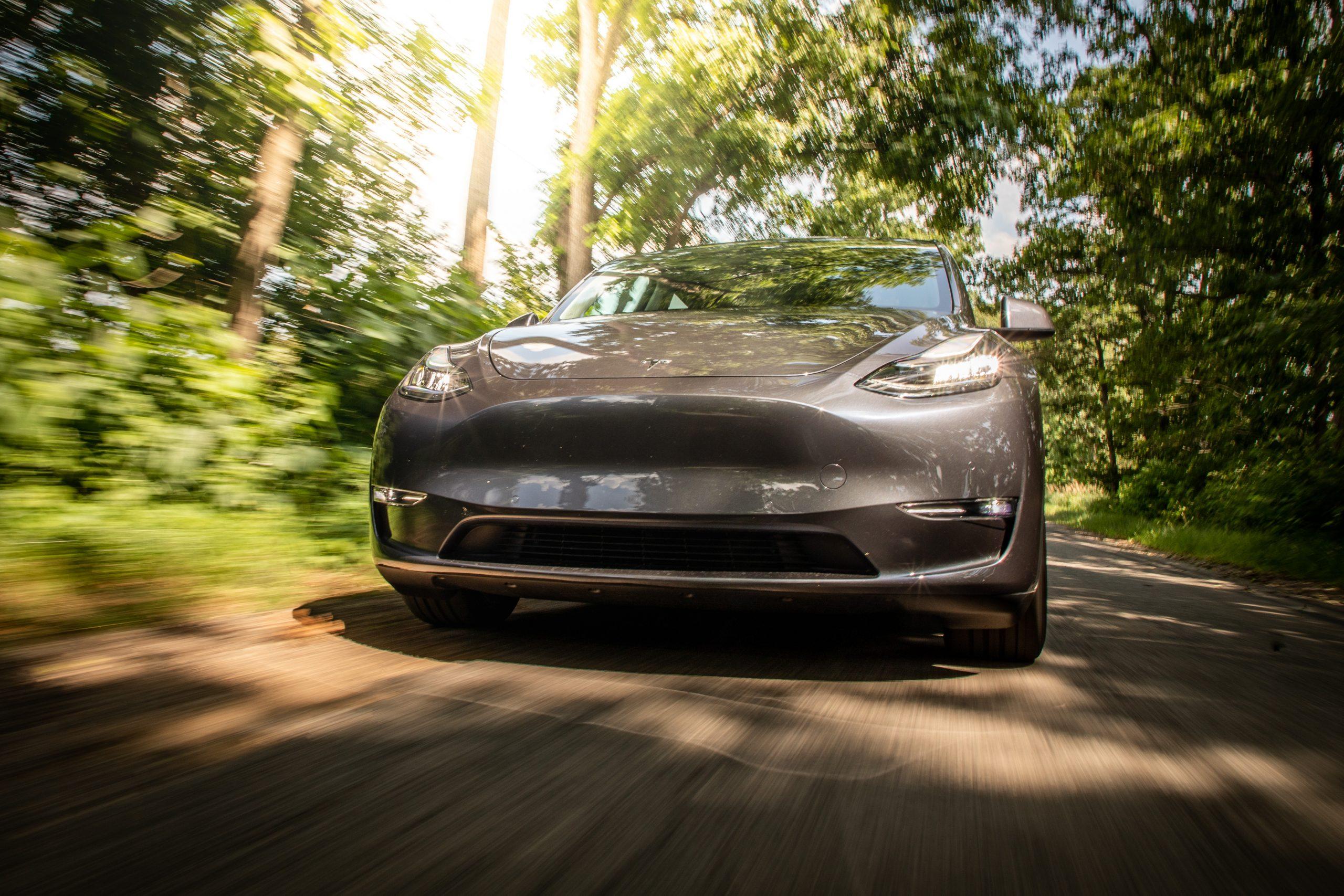 Tesla Model Y front dynamic road action