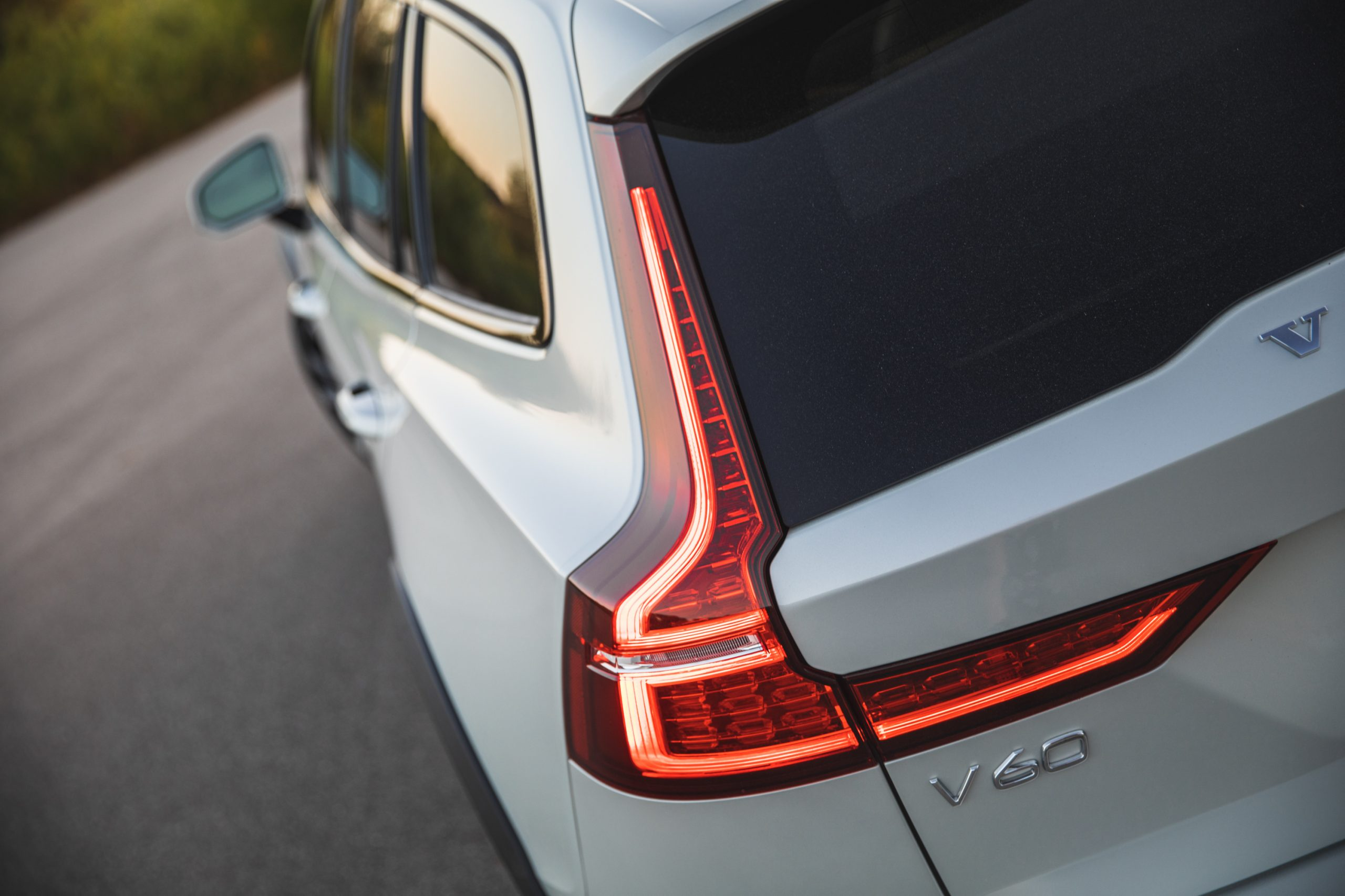 Volvo V60 Cross Country T5 AWD rear light