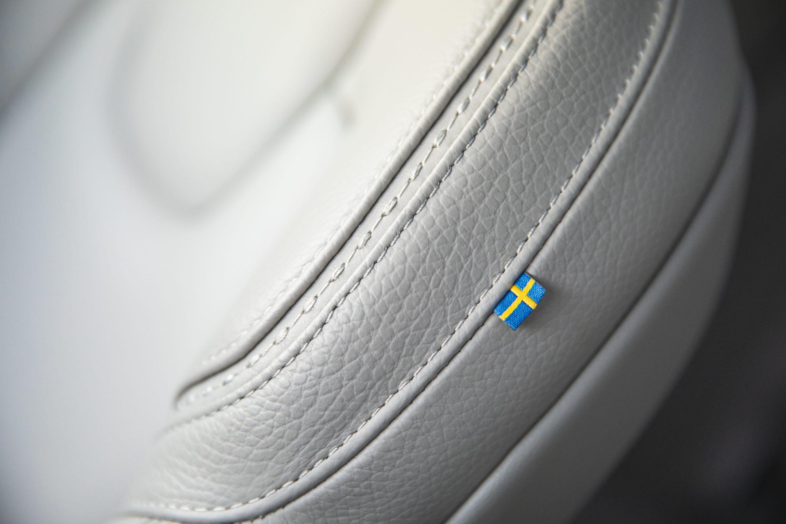 Volvo V60 Cross Country T5 AWD seat swedish flag detail