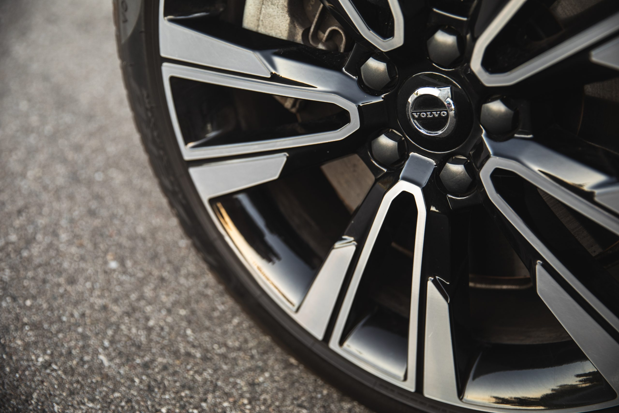 Volvo V60 Cross Country T5 AWD wheel detail