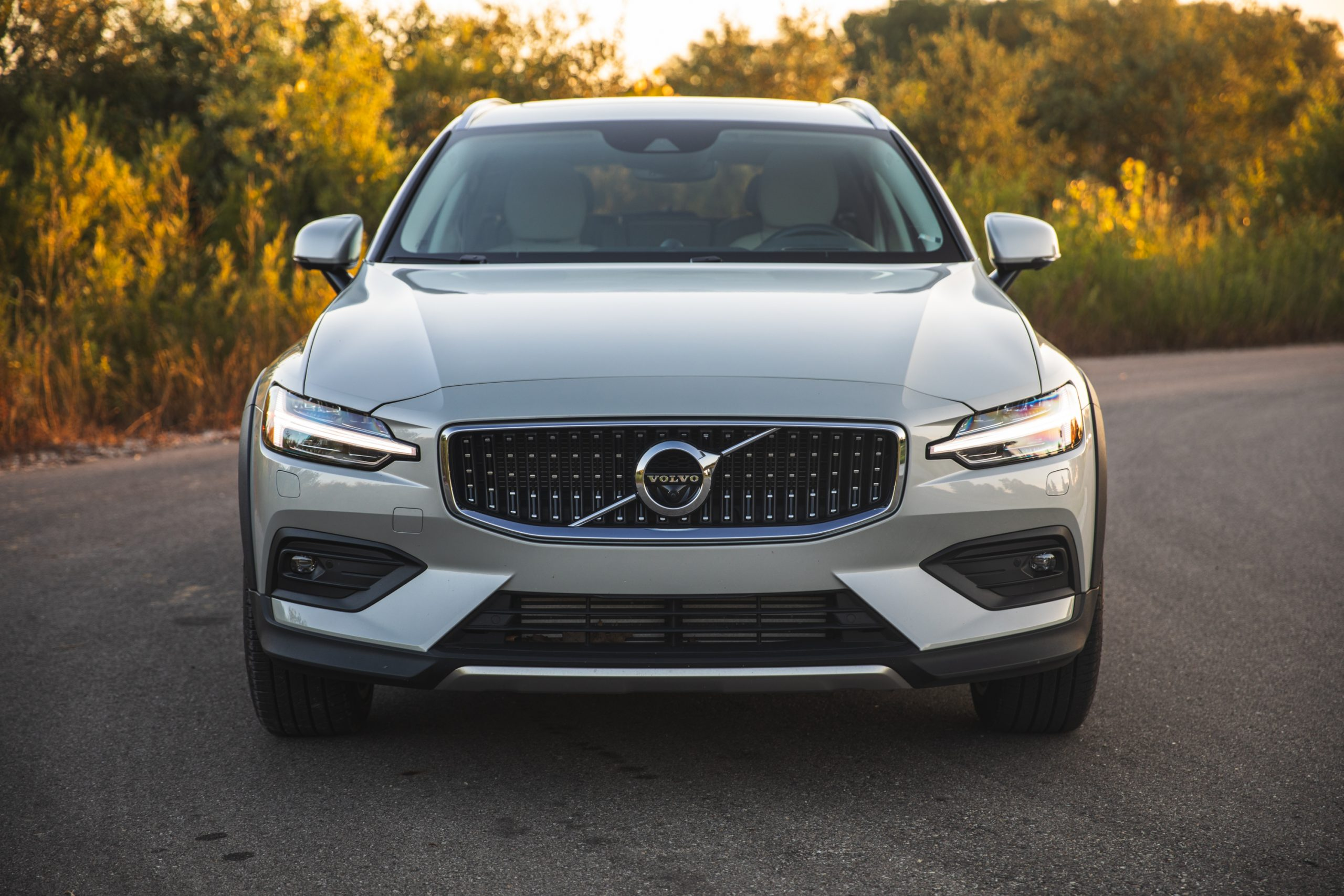 Volvo V60 Cross Country T5 AWD front