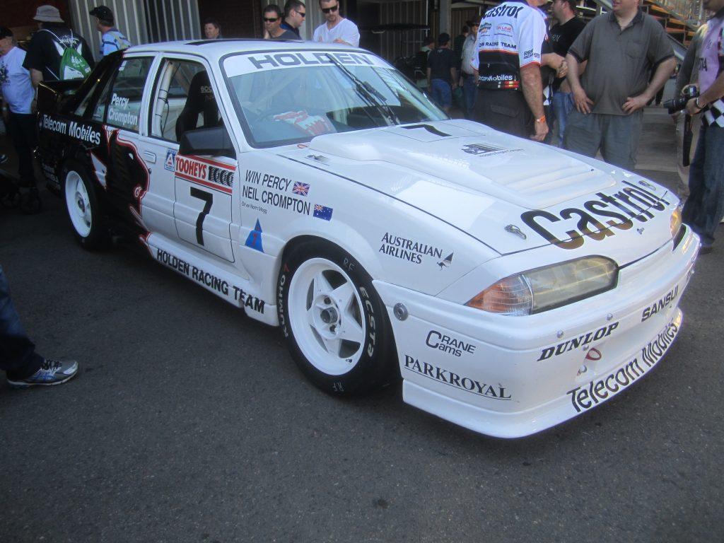 1989 Holden VL Commodore front three-quarter
