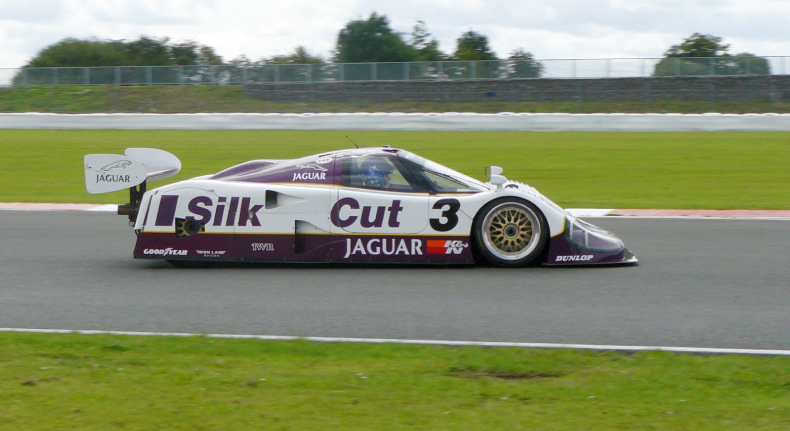 silk cut jaguar side profile dynamic track action