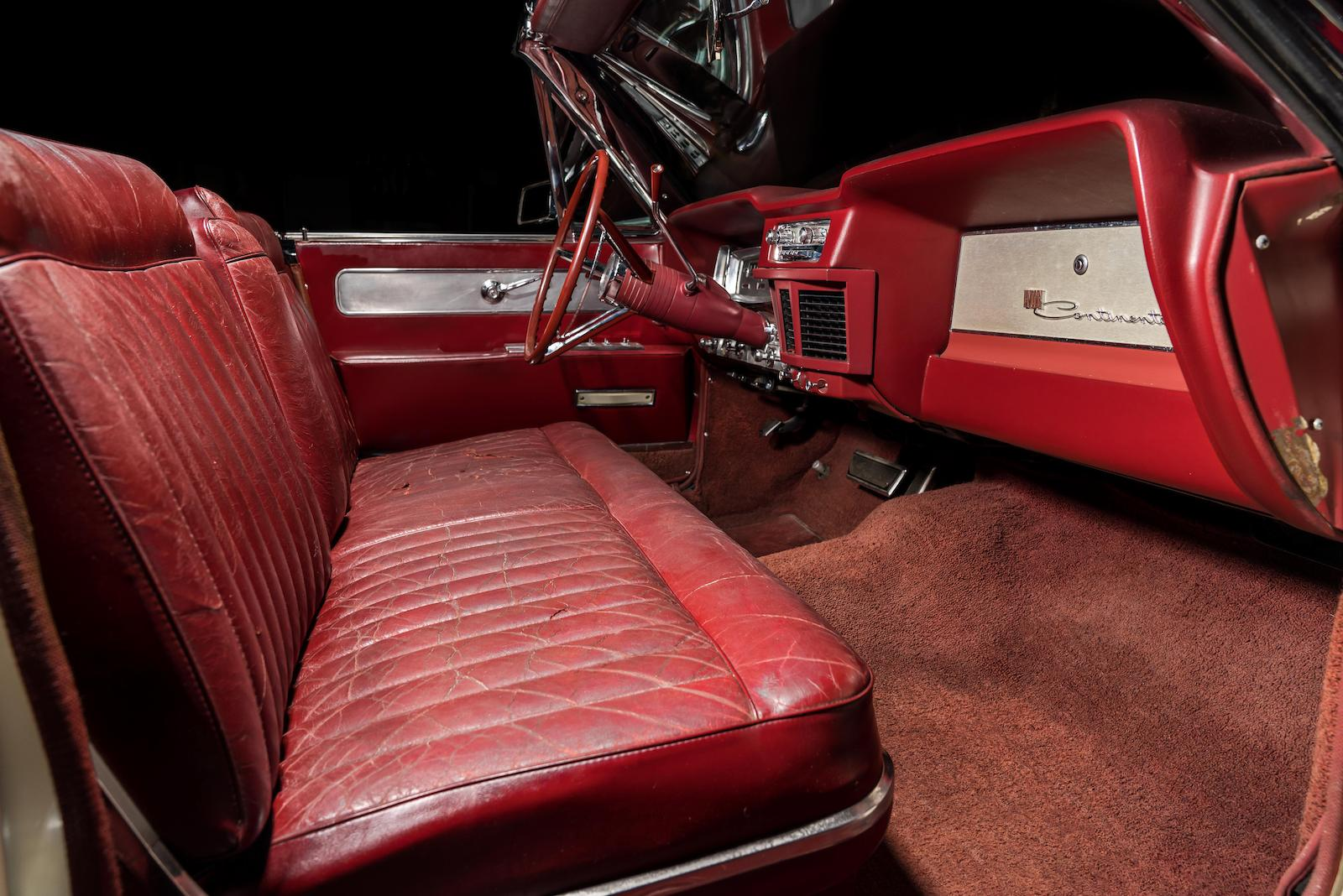 White 1963 Lincoln Limo One continental interior front