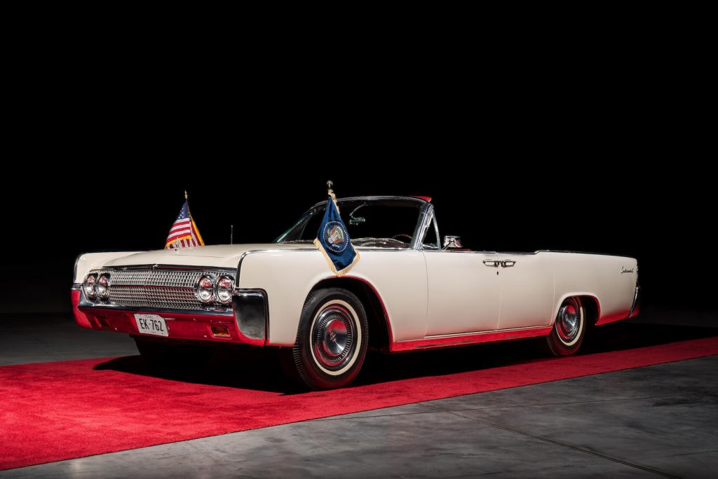 White 1963 Lincoln Limo One continental front three-quarter
