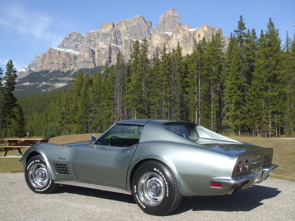 1972 Chevrolet Corvette coupe mountains