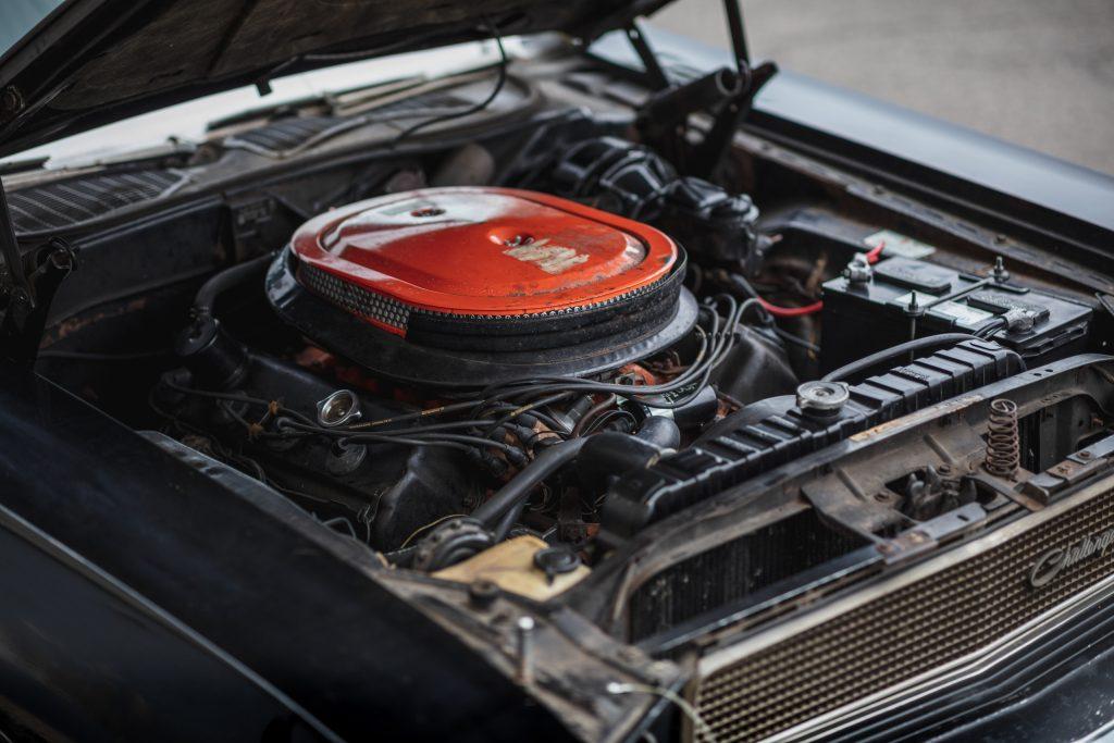 1970 Challenger engine angle