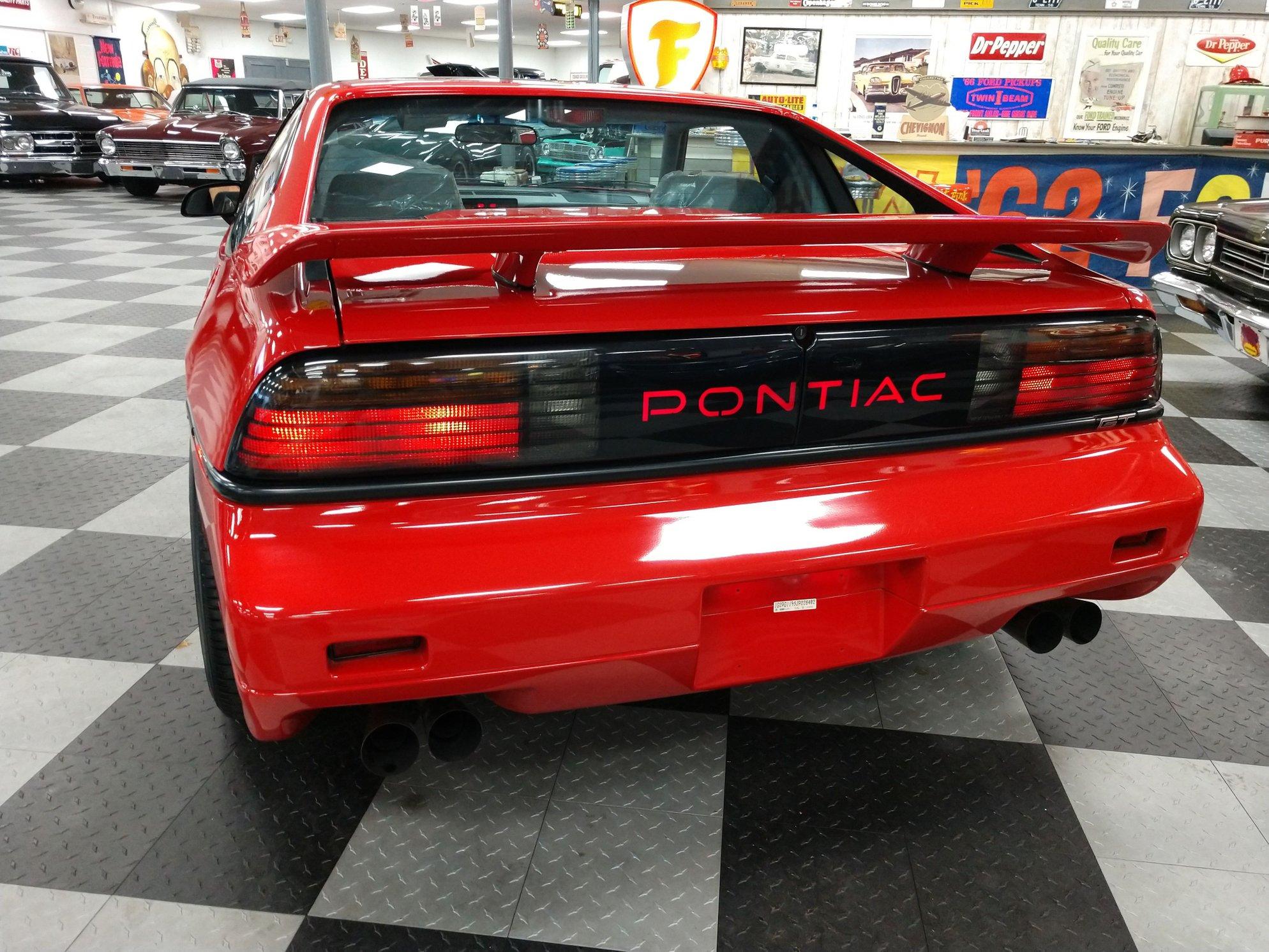 1988 pontiac fiero gt rear