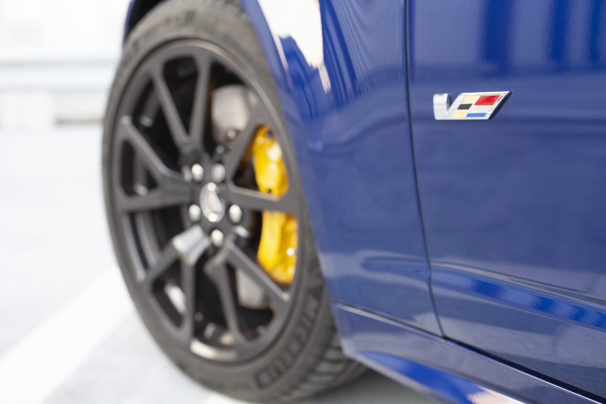 2012 Cadillac CTS-V Wagon badging