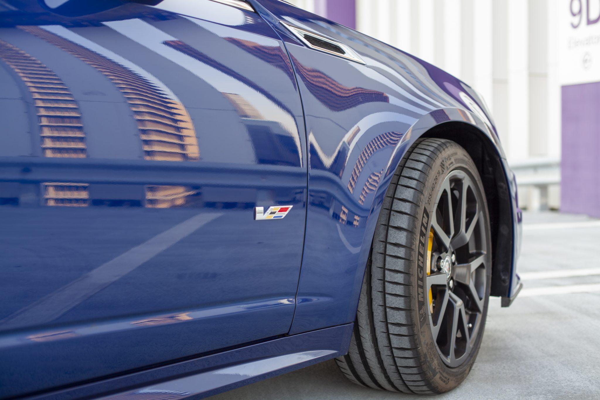 2012 Cadillac CTS-V Wagon front wheel quarter panel