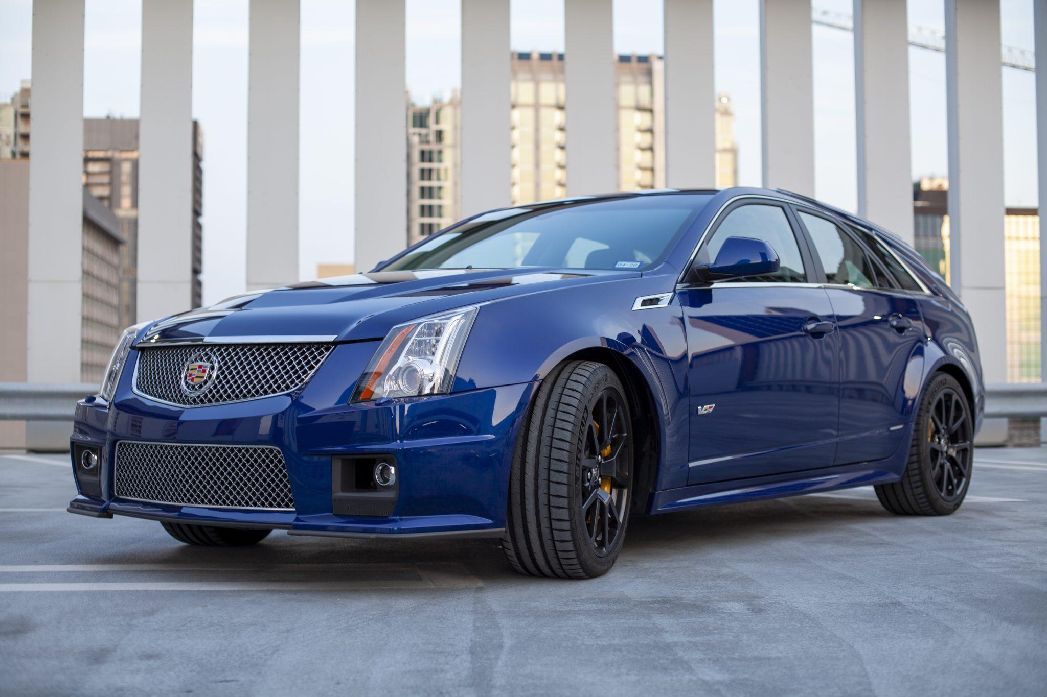 2012 Cadillac CTS-V Wagon front three-quarter