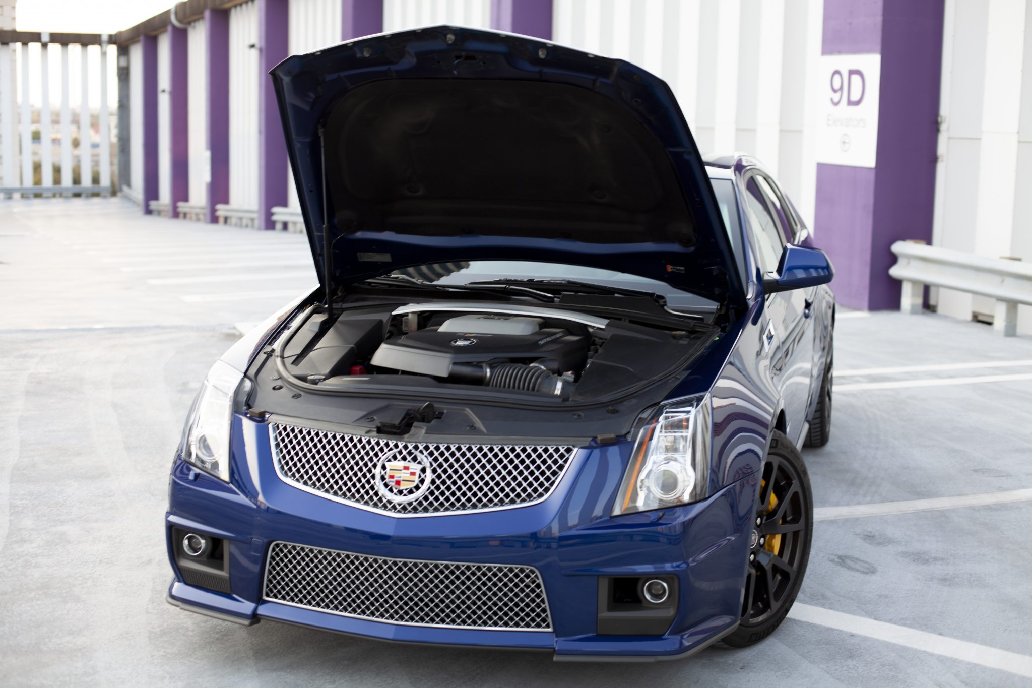2012 Cadillac CTS-V Wagon front hood open