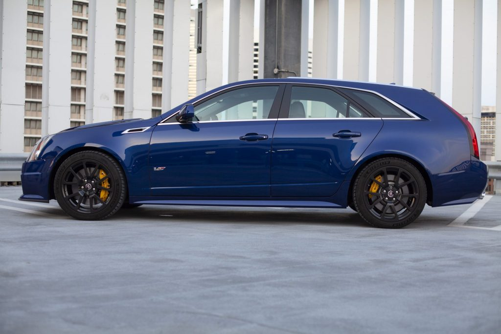 2012 Cadillac CTS-V Wagon side profile