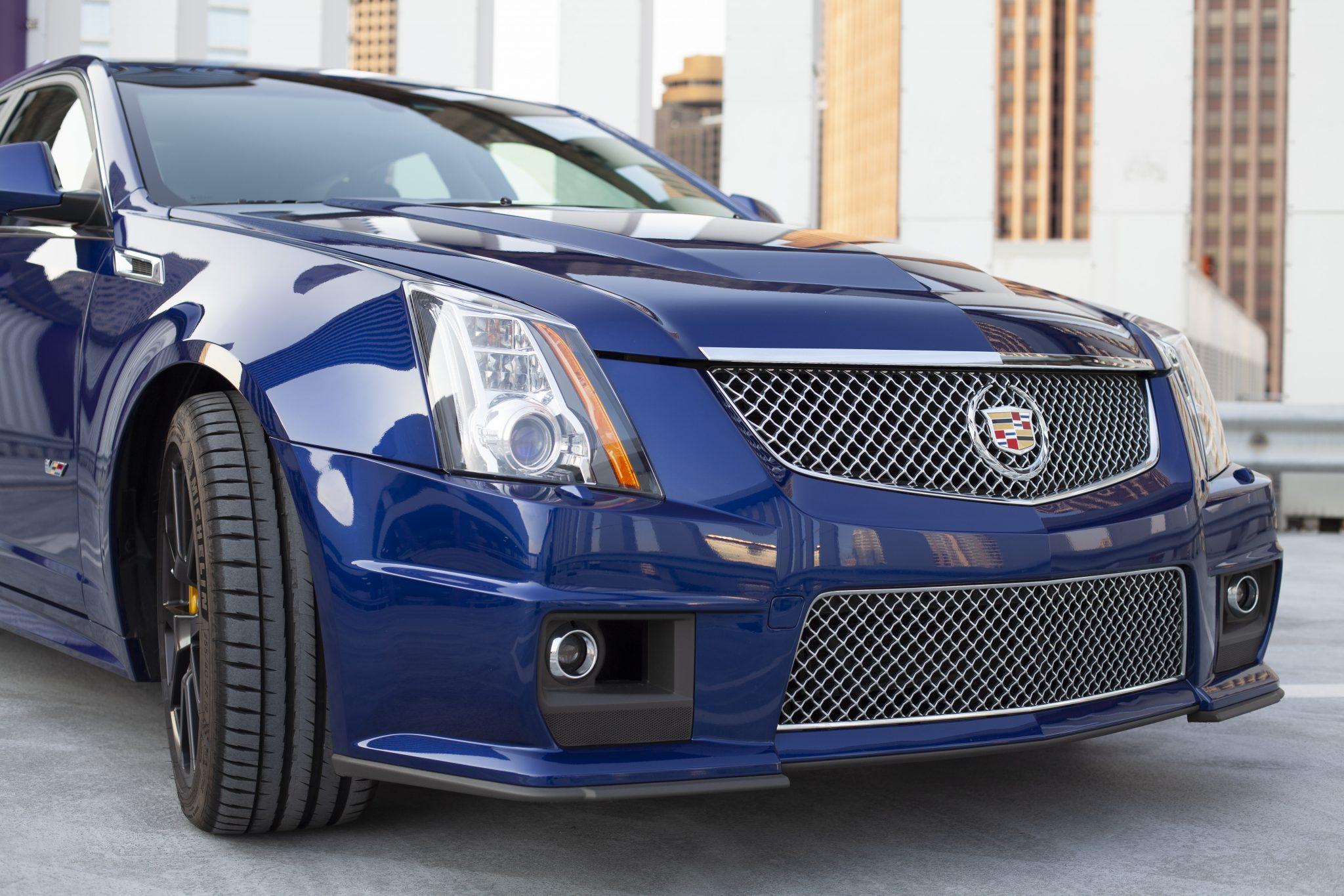 2012 Cadillac CTS-V Wagon front fascia
