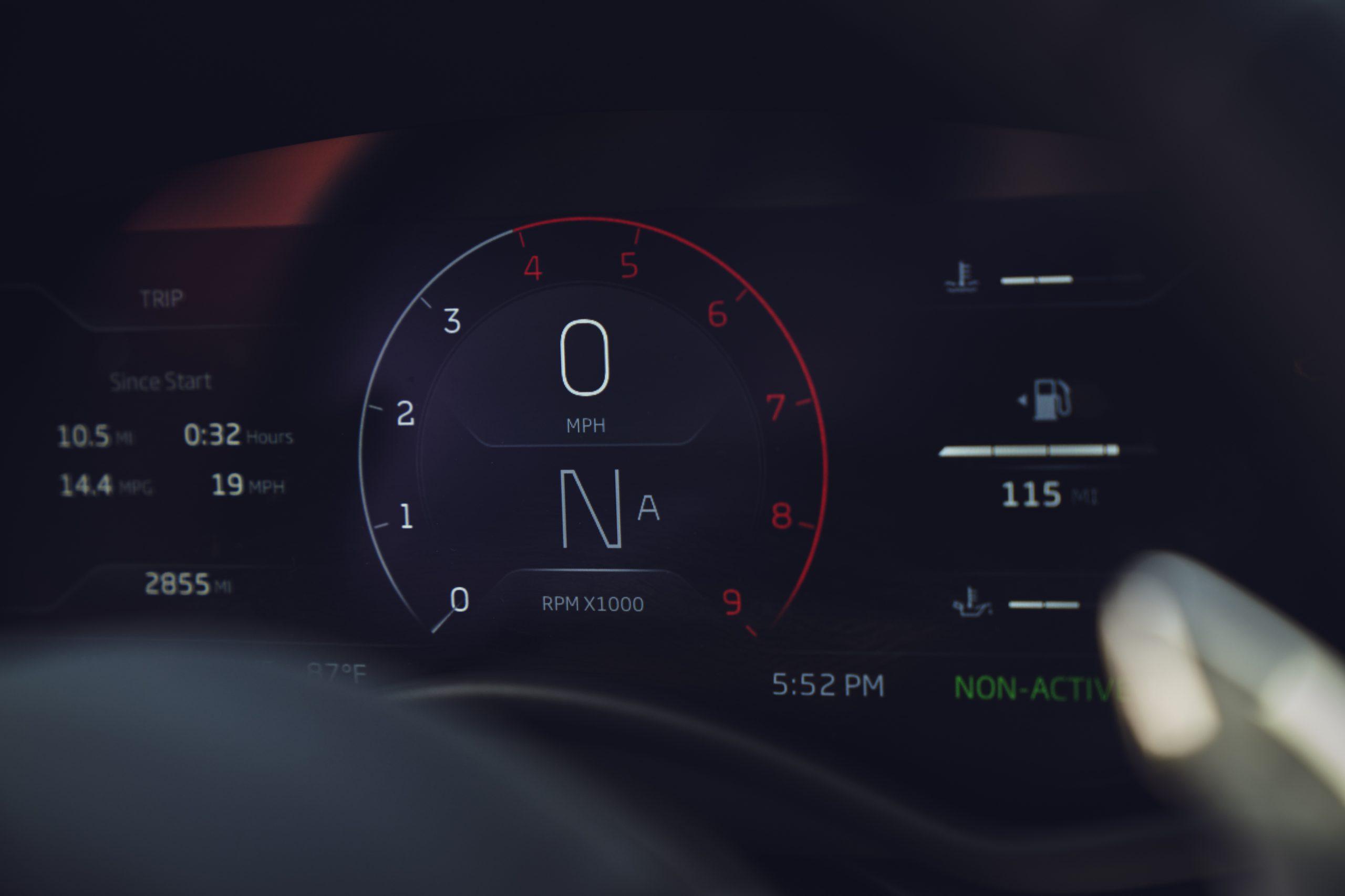 2020-McLaren-GT_Trahan_0523 gauges