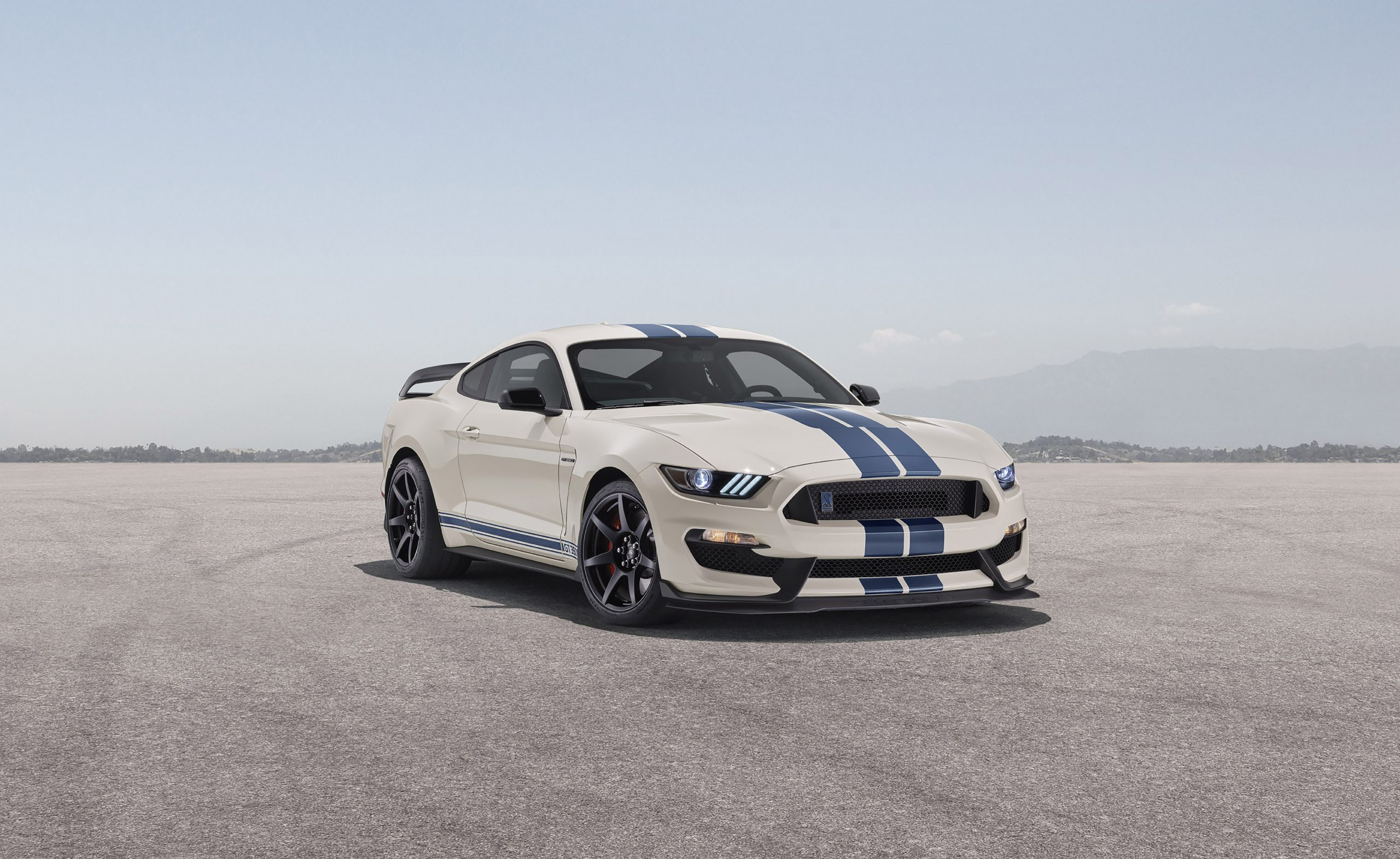 2020 Ford GT350R Heritage Edition Package front three quarter