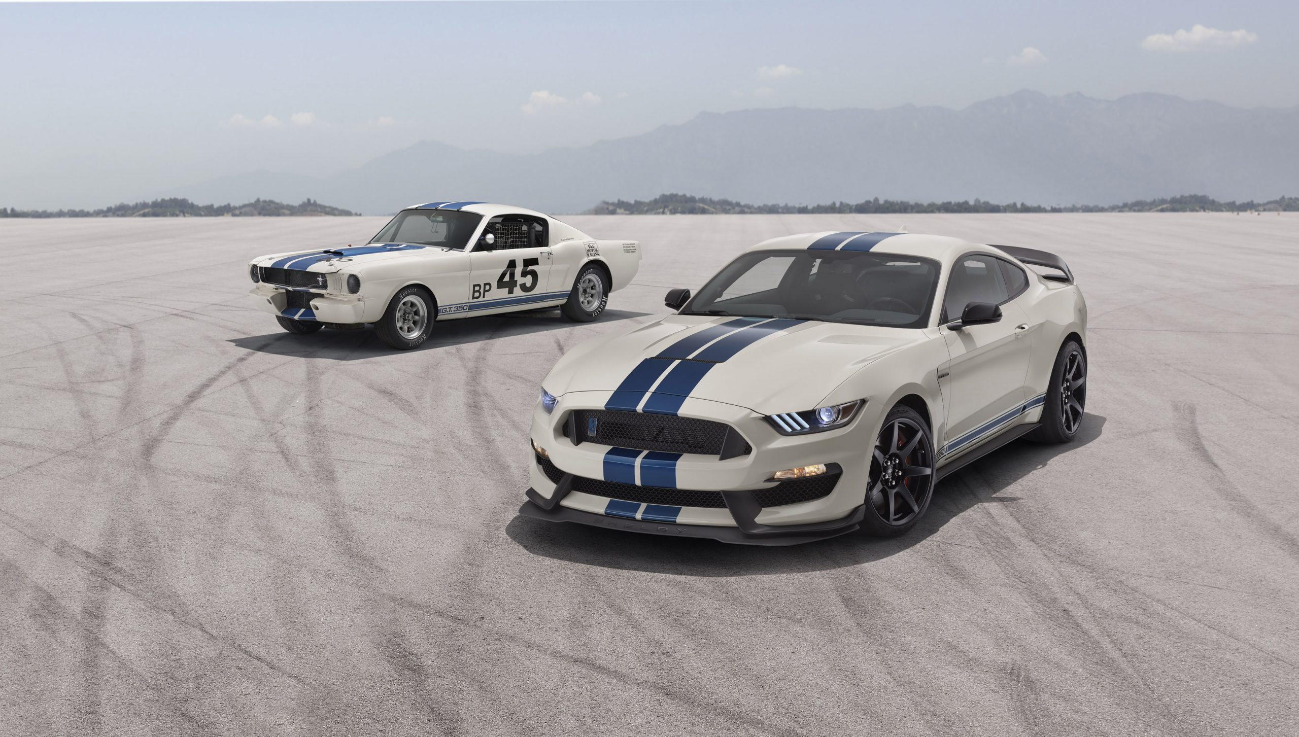 2020 Ford GT350R Heritage Edition Package front with 1965