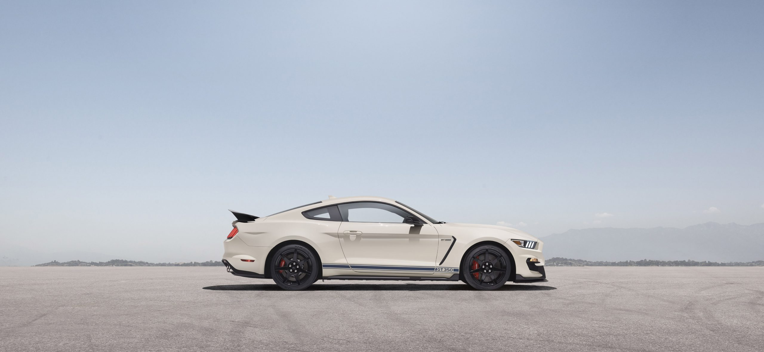 2020 Ford GT350R Heritage Edition Package profile