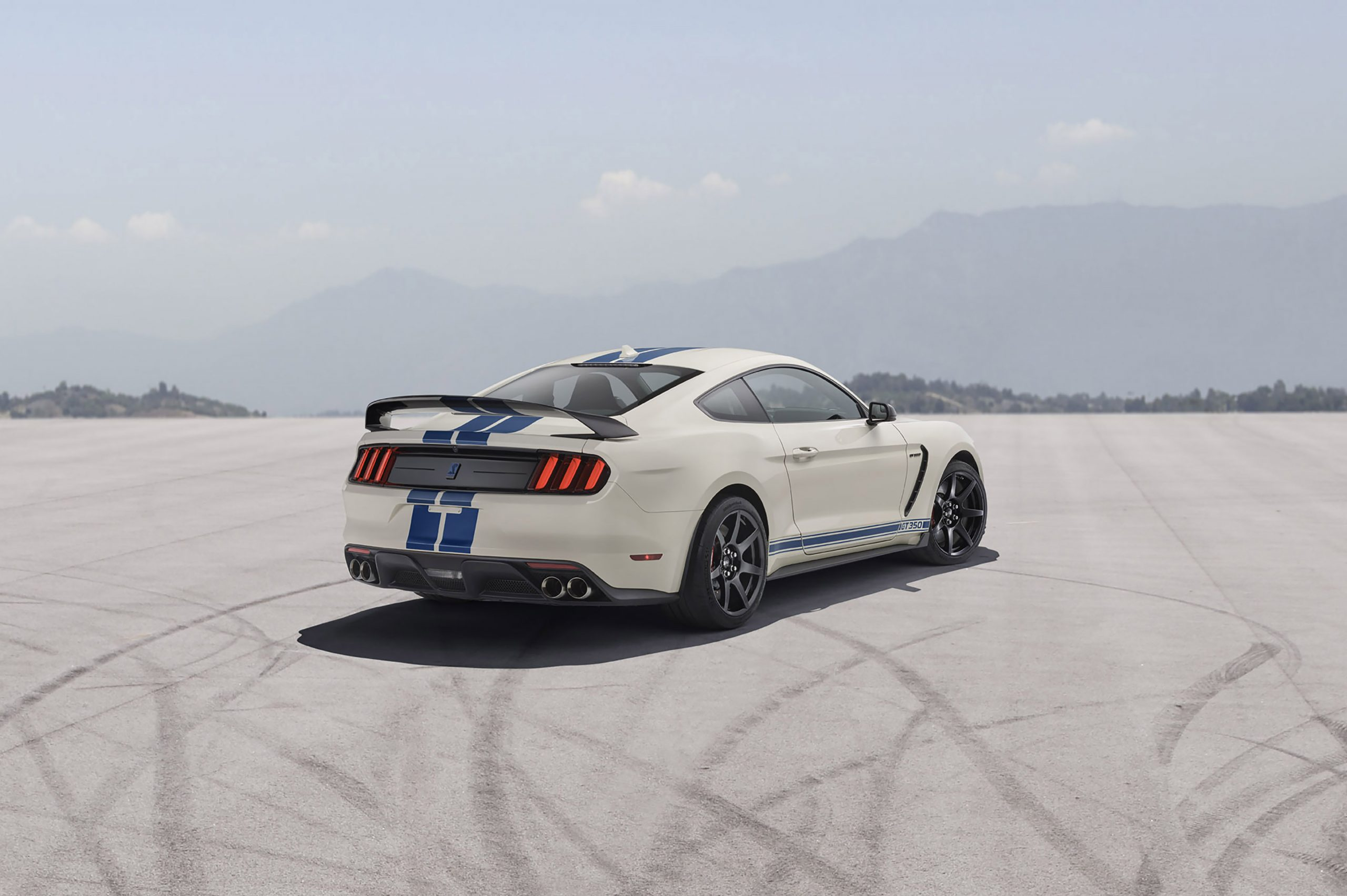 2020 Ford GT350R Heritage Edition Package