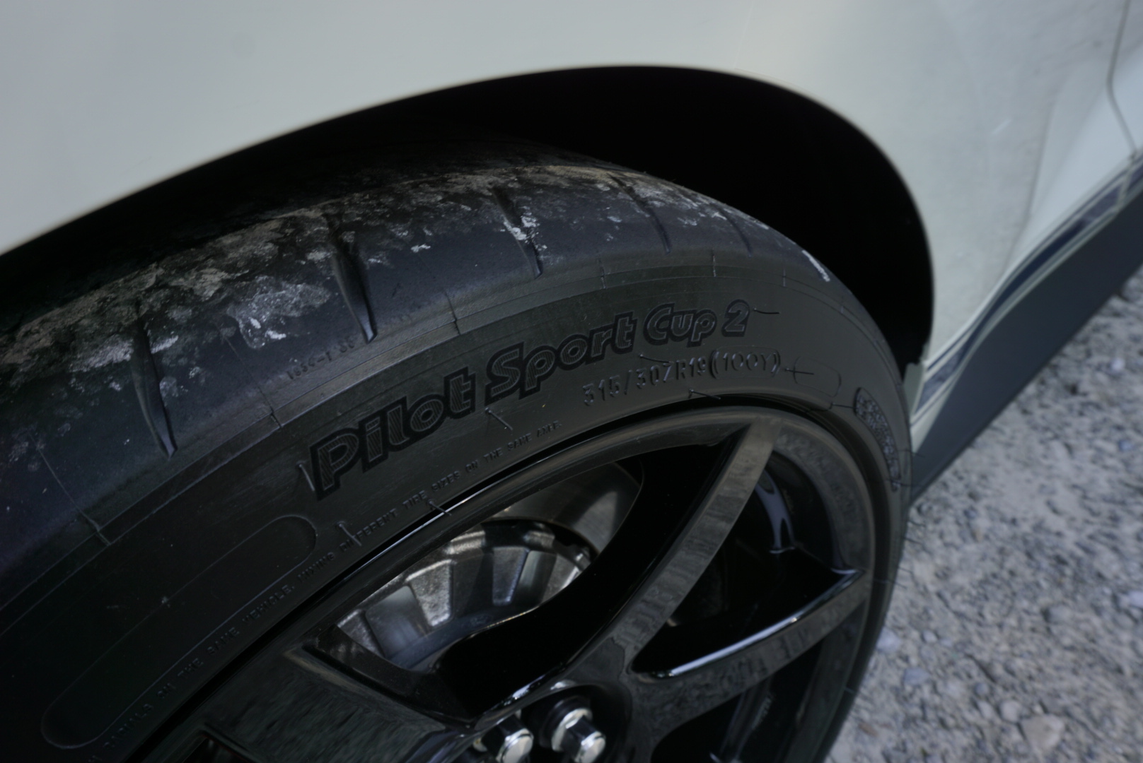 2020-Shelby-GT350R-Heritage-Edition pilot sport cup 2 tire
