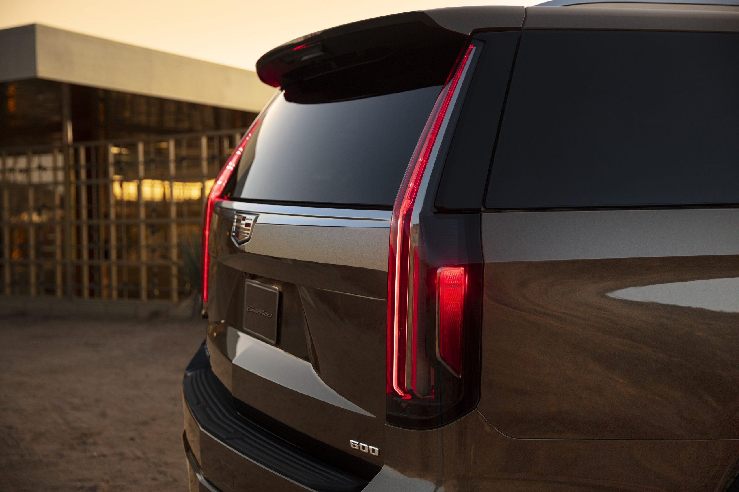 2021 Cadillac Escalade 03