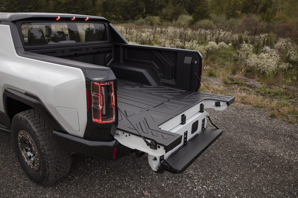 2022 GMC Hummer EV tailgate