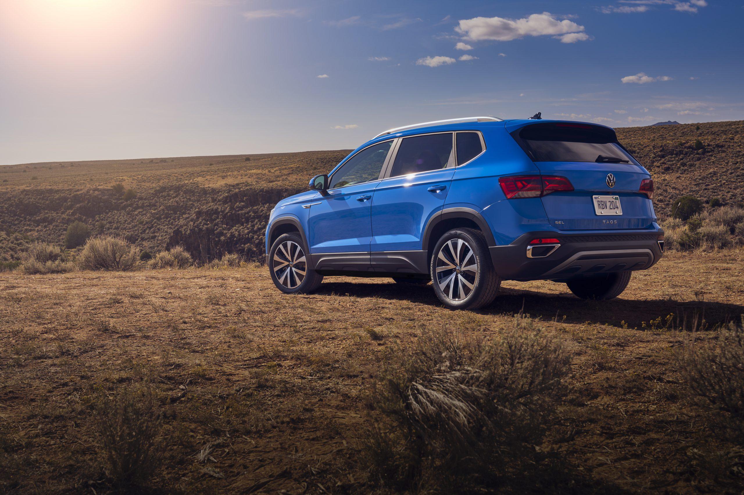 2022 Volkswagen Taos static rear three quarter