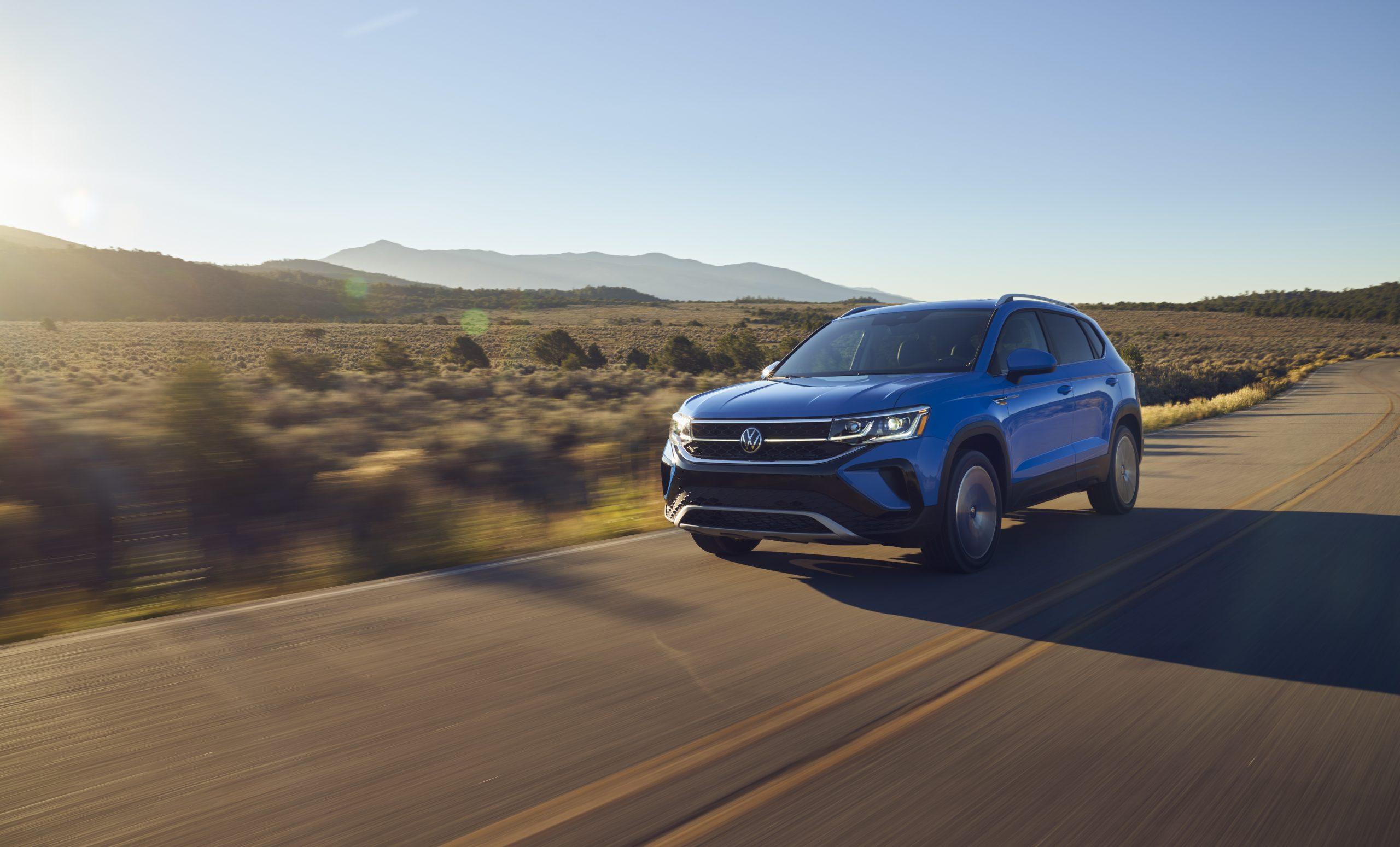 2022 Volkswagen Taos drivers front three quarter desert road
