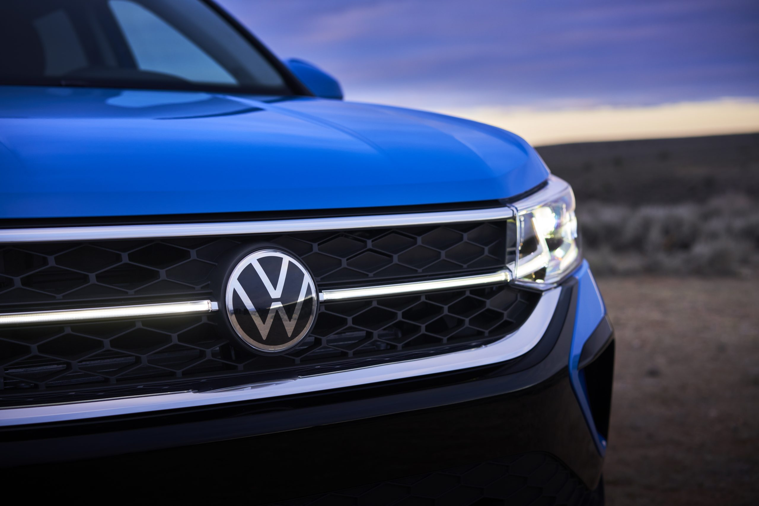 2022 Volkswagen Taos front logo and head lamp