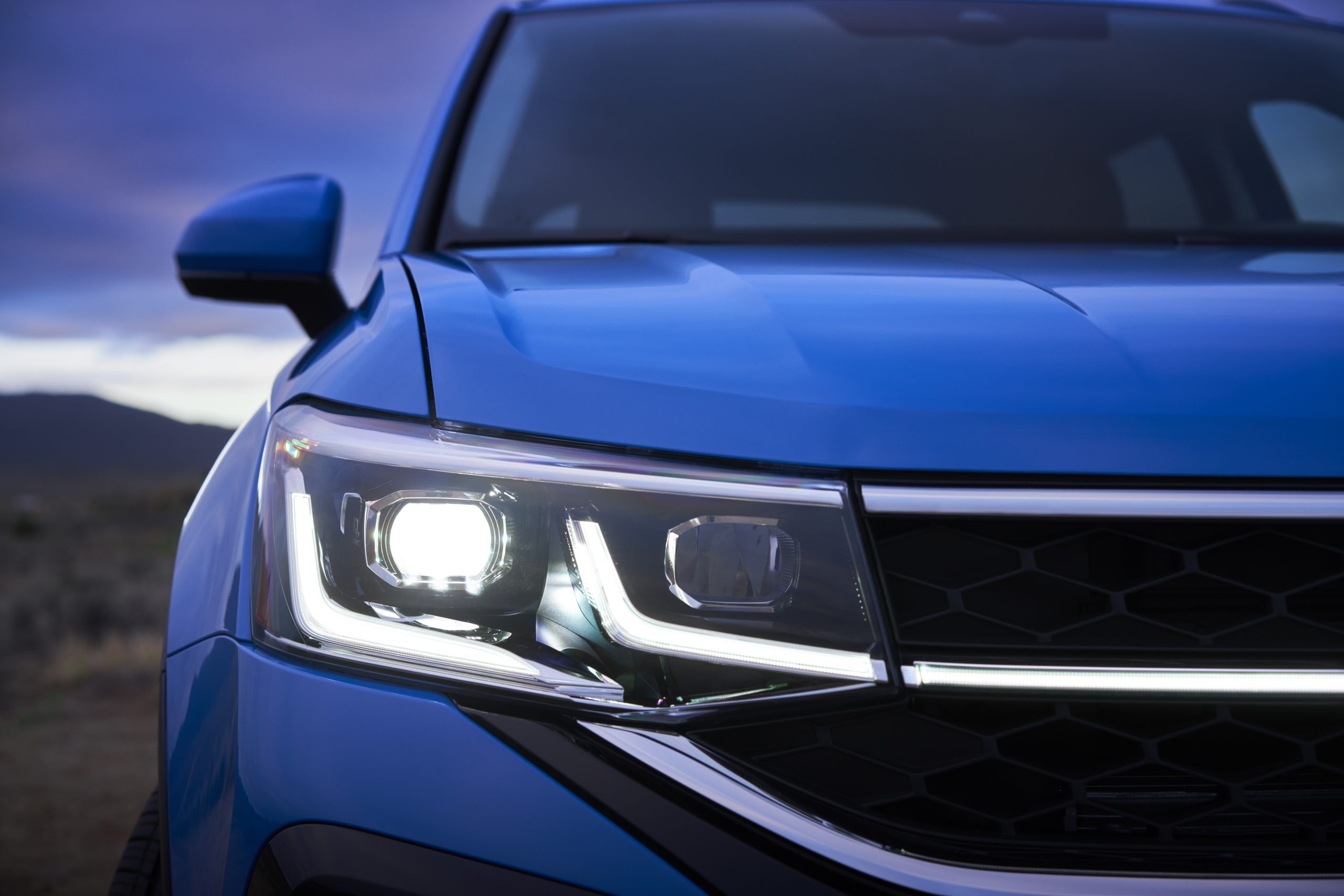 2022 Volkswagen Taos head lamp detail