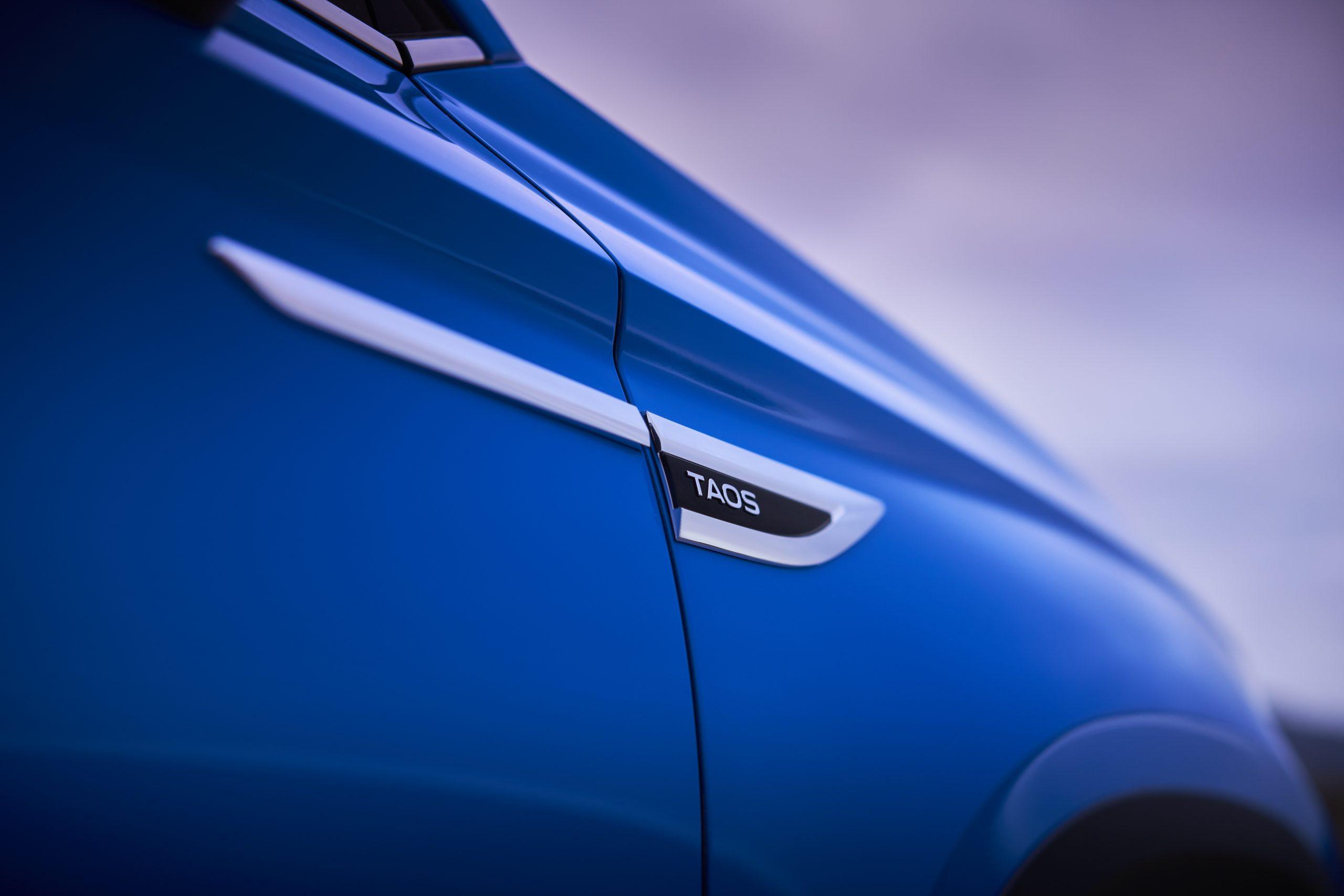 2022 Volkswagen Taos nameplate