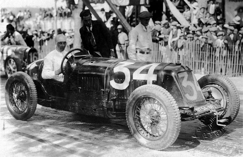René Dreyfus in his Maserati Nimes France