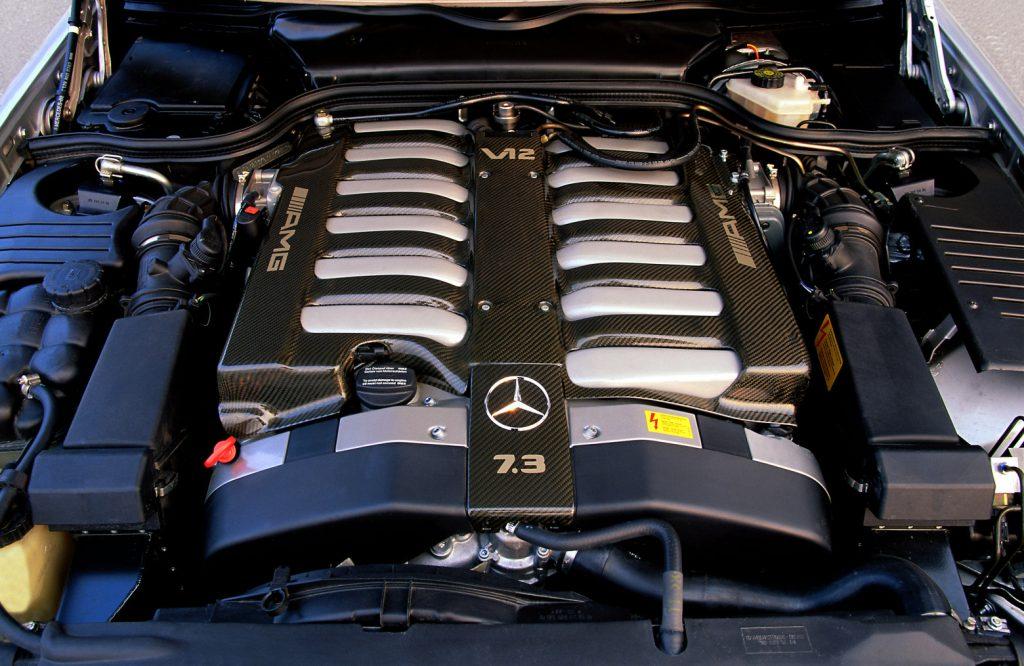 Mercedes-Benz Typ SL 73 AMG engine