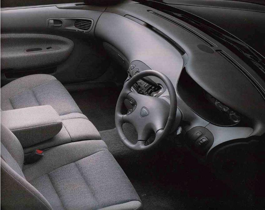 Ẽfini MS-8 interior