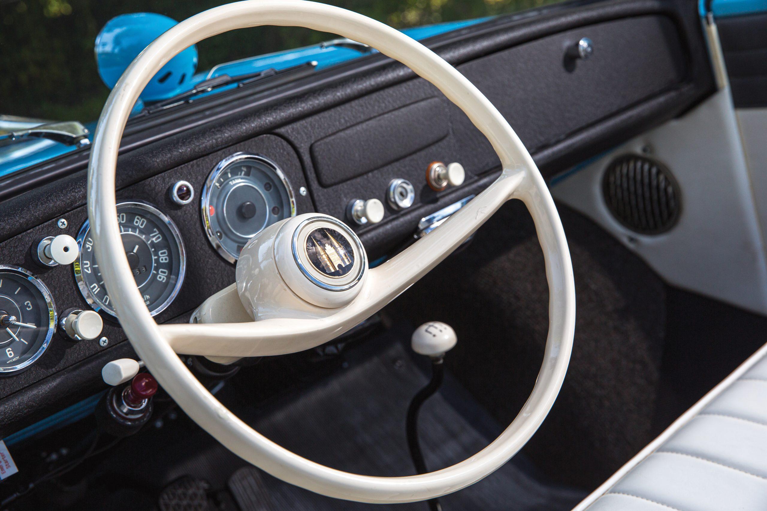 1966 Amphicar 770 interior