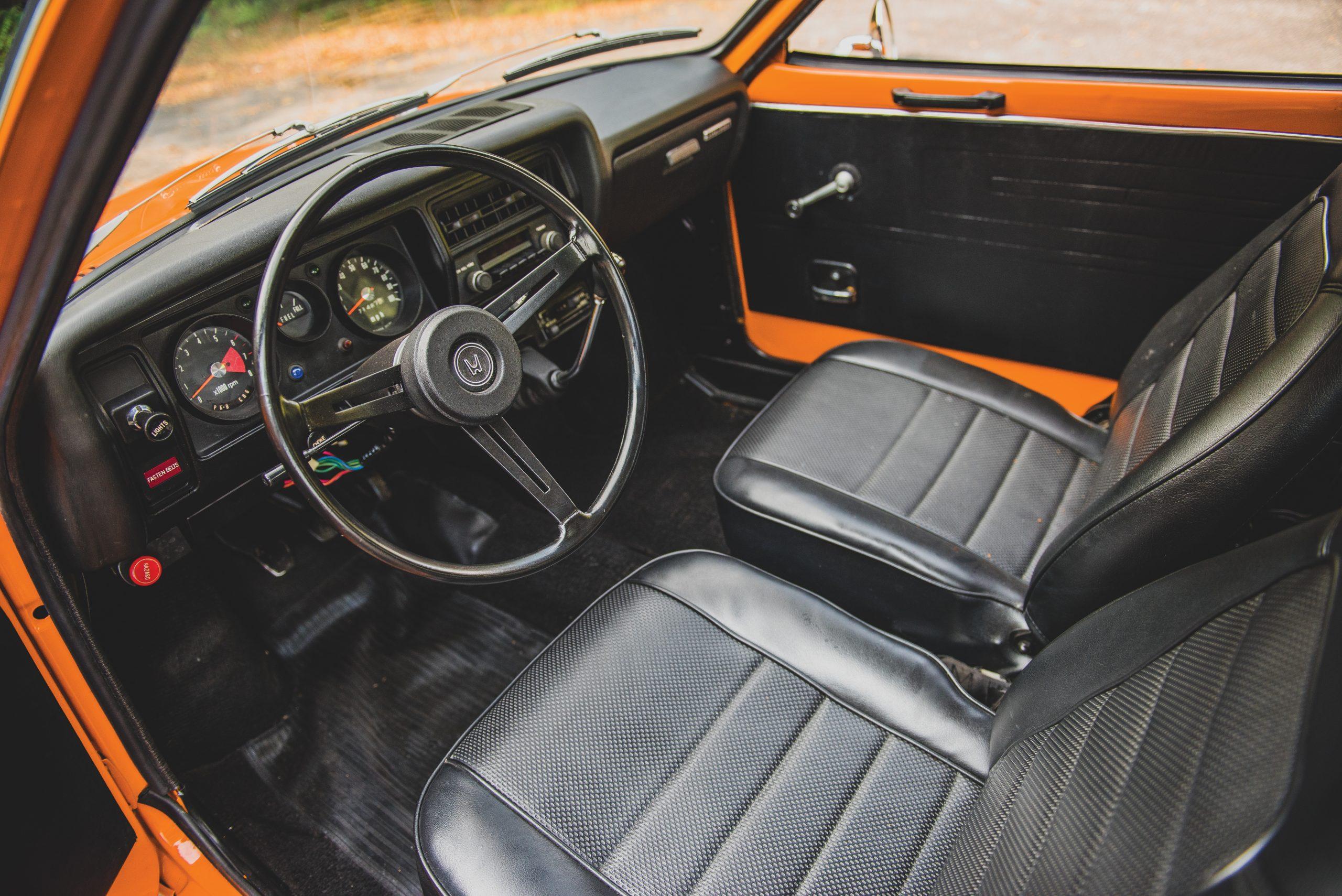 1972 Honda Z600 Coupe interior