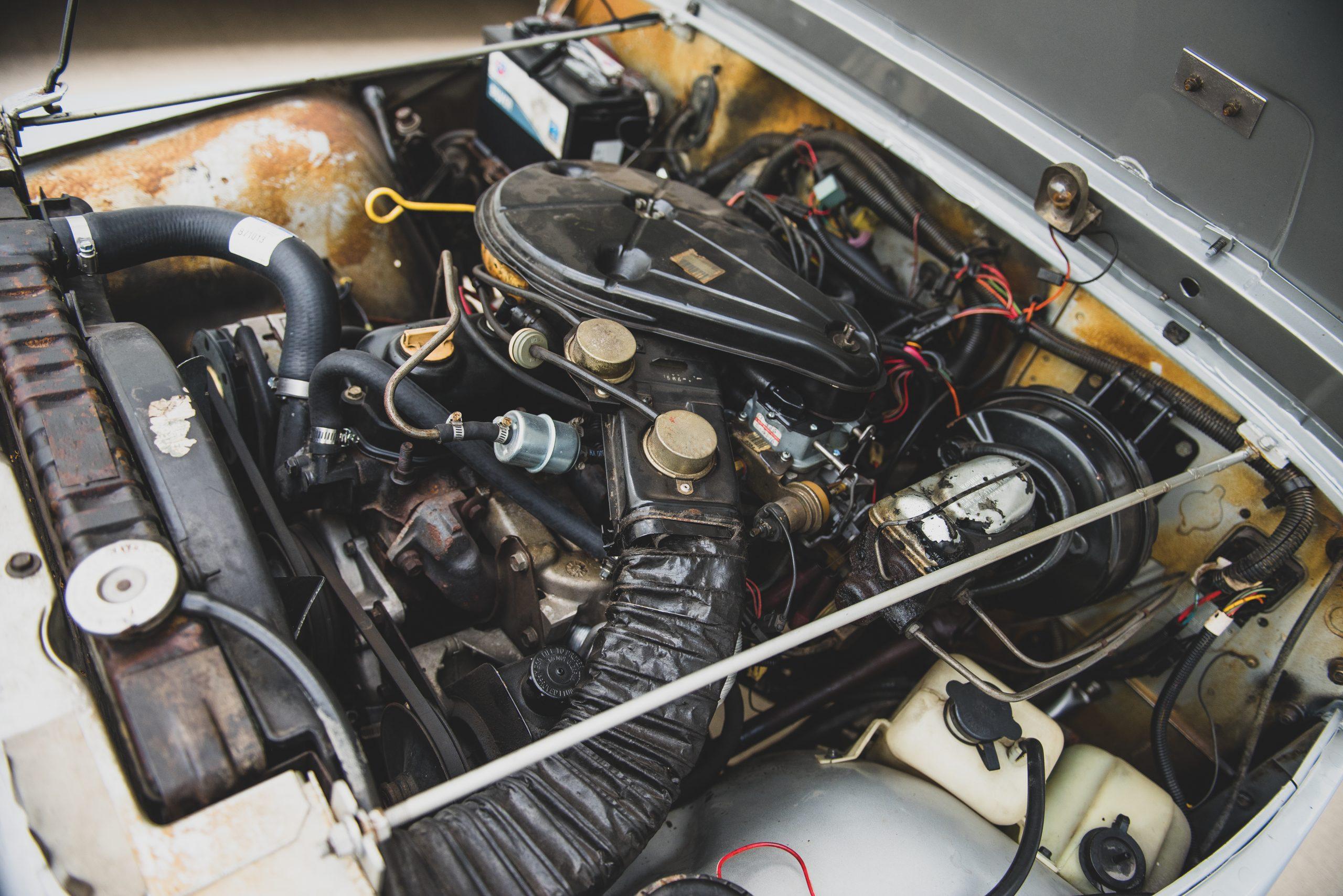 Jeep CJ7 Renegade engine