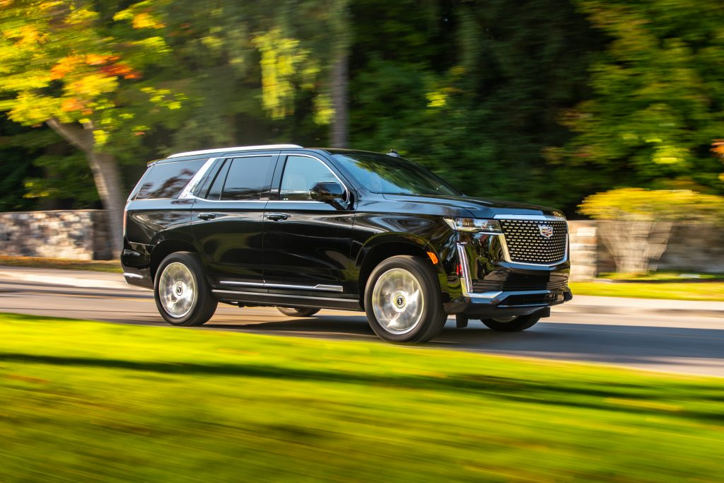 cadillac escalade front three-quarter dynamic action