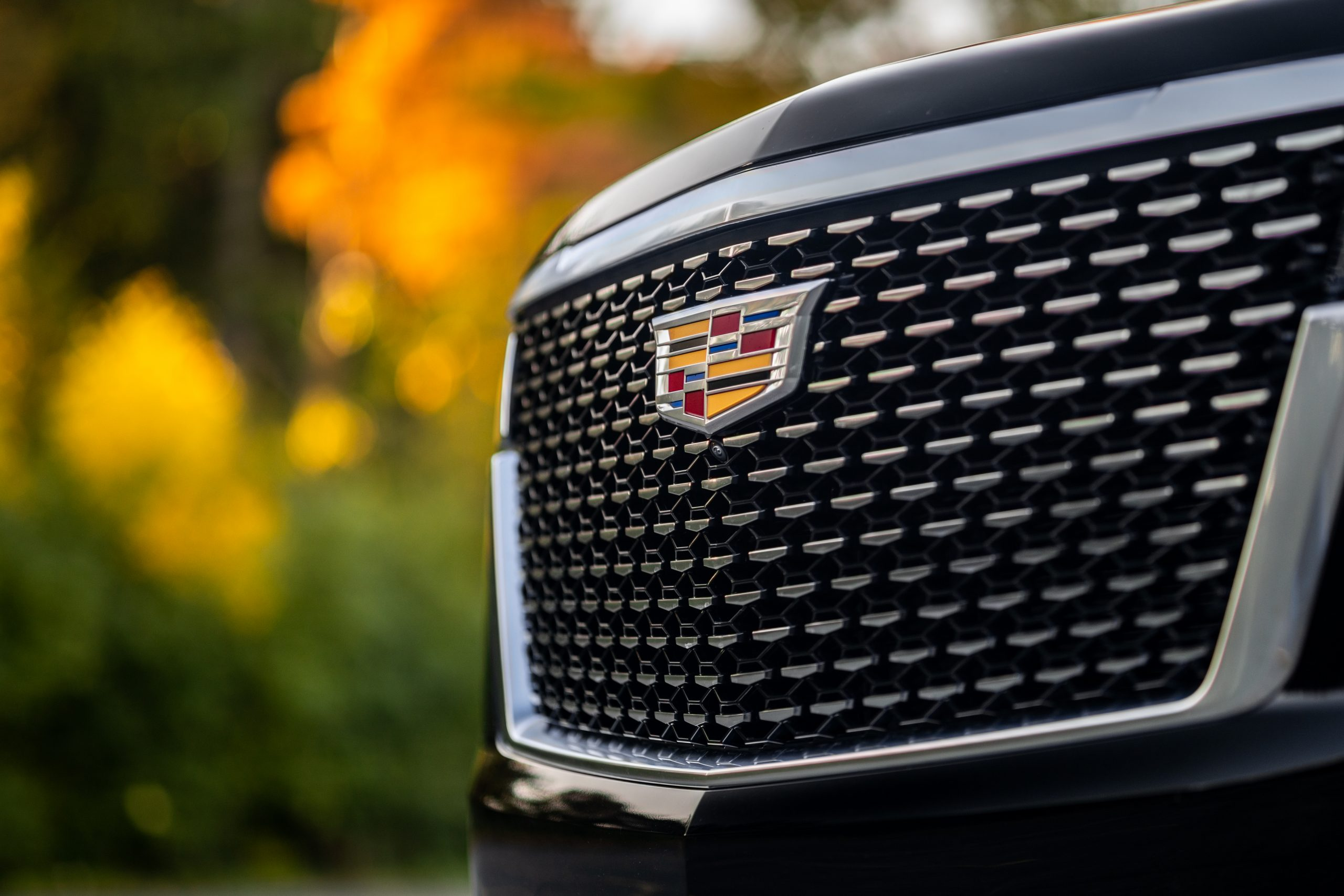 cadillac escalade front grille close up