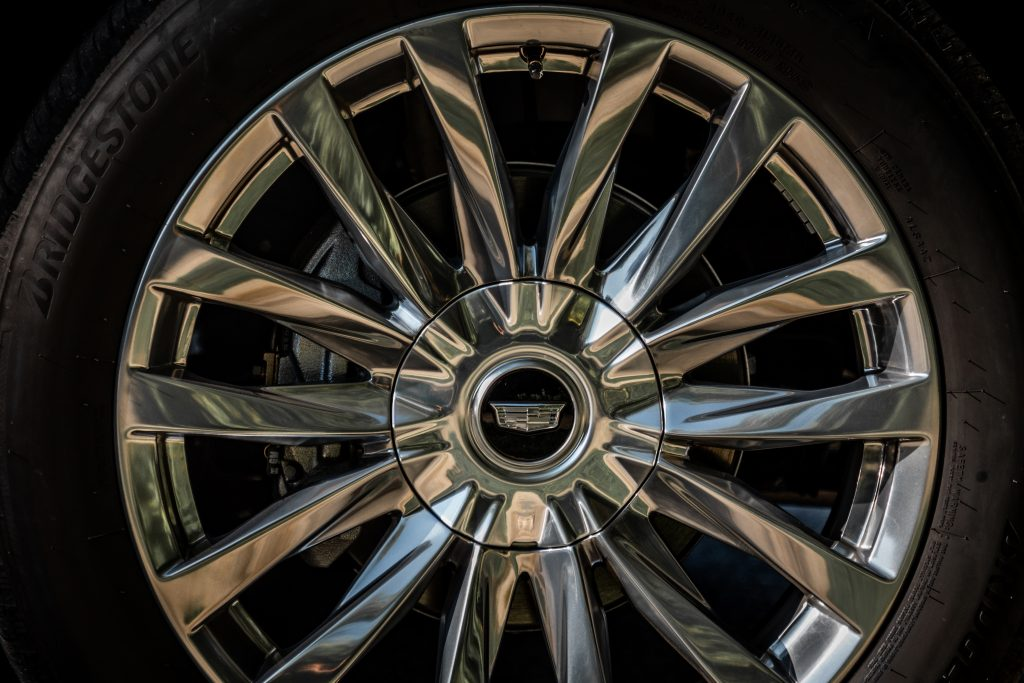 cadillac escalade wheel