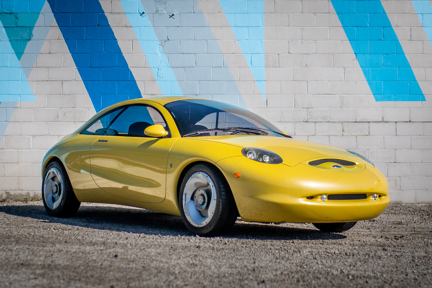 Ford Ghia Vivace Concept front three-quarter