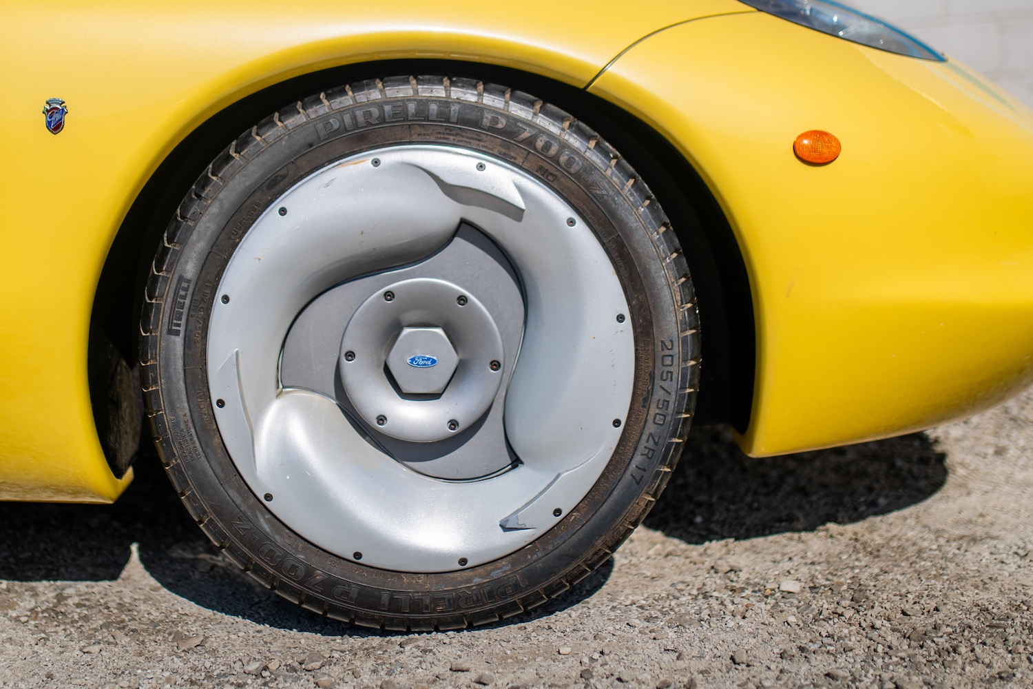 Ford Ghia Vivace Concept wheel