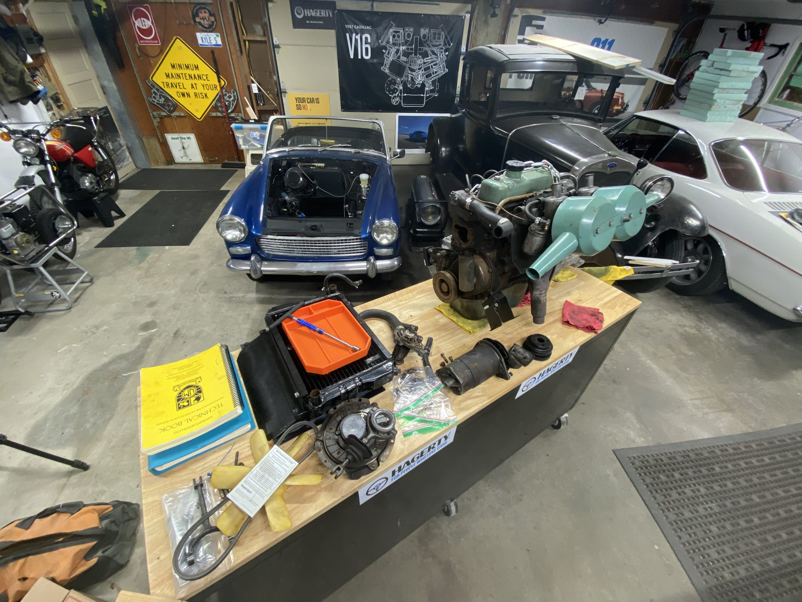workbench to organize parts