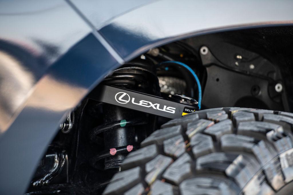 Lexus J201 Concept suspension control arms