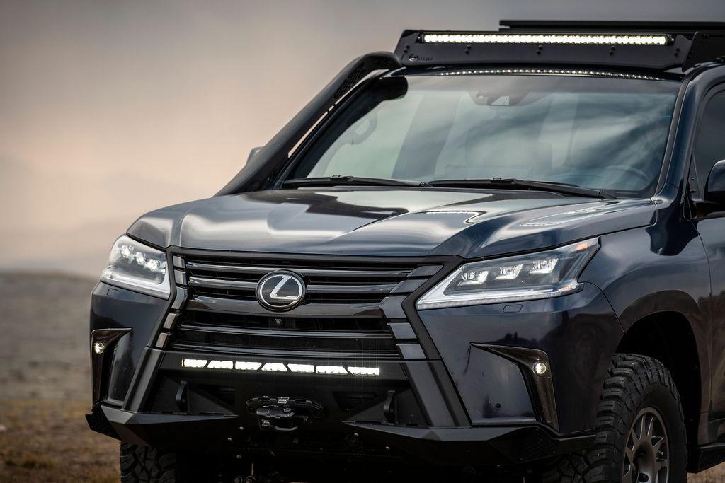 Lexus J201 Concept front lighting detail