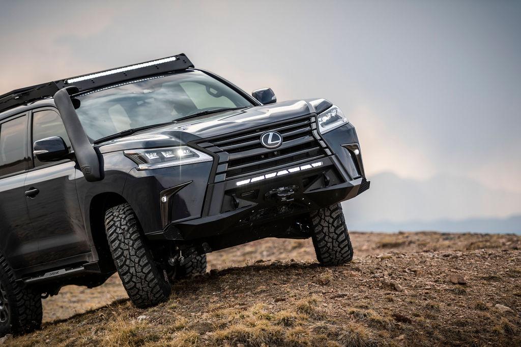 Lexus J201 Concept climbing hill front shot